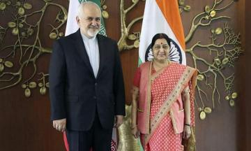 Iranian, Indian FMs discuss nuclear deal, economic co-op