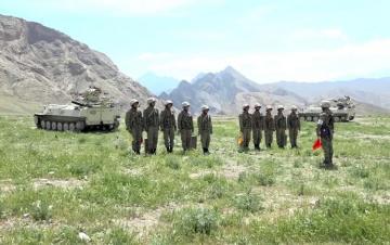 """Naxçıvan Qarnizonunda """"Ən yaxşı zenit-raket artilleriya batareyası"""" adı uğrunda yarış keçirilib"""