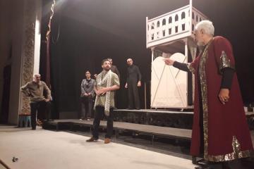 İranlı rejissorun quruluş verdiyi tamaşa Lənkəran teatrında oynanılıb - [color=red]FOTO[/color]
