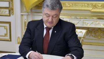 Ukrayna prezidenti Poroşenko dövlət dili haqqında qanunu imzalayıb