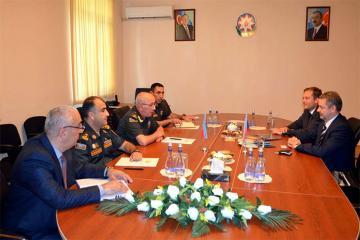 Обсуждены вопросы развития военно-технического сотрудничества между Азербайджаном и Чехией