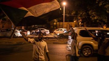 """Sudan polisi """"Sputnik""""in müxbirinə ağır xəsarət yetirib"""