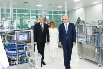 Президент Ильхам Алиев принял участие в открытии завода по производству шприцев
