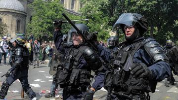 Во Франции менее трех тысяч человек участвуют в акциях «желтых жилетов»