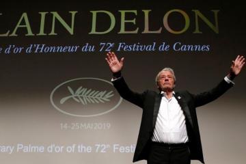Alen Delon Kann festivalının mükafatına layiq görülüb