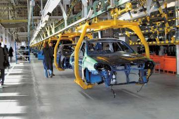 Azərbaycan minik avtomobillərinin istehsalını 3 dəfədən çox artırıb