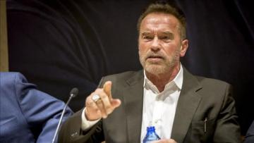 Fan attacks Arnold Schwarzenegger at South Africa event
