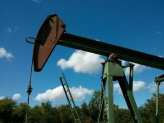 Нефть дорожает, Brent закрепилась выше $72 за баррель