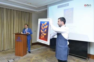В Баку впервые проходит аукцион произведений искусства