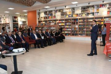 """Researcher Ingilab Shahbazov held presentation and signing event of his """"Research Methods"""" book"""
