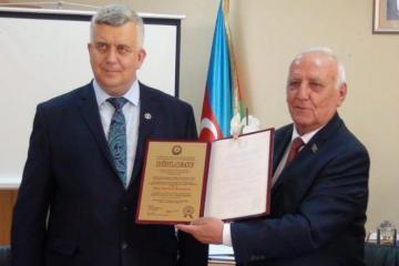 Oleq Kuznetsov AMEA Tarix İnstitutunun fəxri doktoru olub