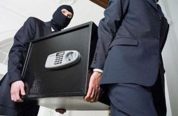 Дерзкое ограбление в Баку: воры унесли из квартиры целое состояние