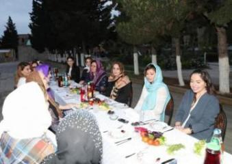 Birinci vitse-prezident Mehriban Əliyeva iftar mərasimində iştirak edib - [color=red]FOTO[/color]