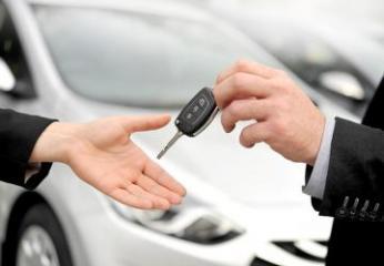 Услуга выдачи доверенности на управление автомобилями в Азербайджане стала электронной