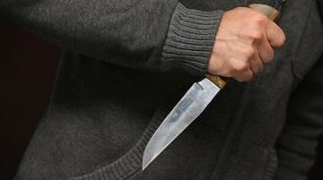 Bakıda 38 yaşlı kişi boğazından bıçaqlanıb