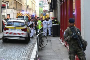 "Paris prokurorluğu Lionda baş vermiş partlayışda ""terror cəhdi"" versiyasını araşdırır - [color=red]FOTO[/color]"