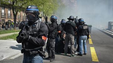 Полицейский избил журналиста во время демонстрации в Тулузе
