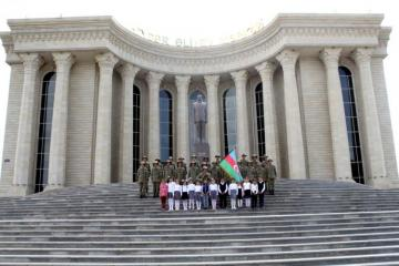 Azerbaijan Army held several events on occasion of celebration of Republic Day - [color=red]PHOTO[/color]