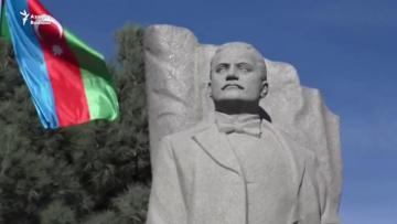 В акции партии«Мусават» участвовали220 человек, в акции НациональногоСовета - 330