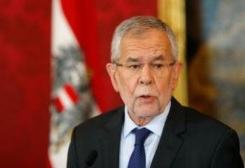 Austrian President officially dissolves gov't after vote of no-confidence