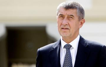 Охранник устроил стрельбу в самолете премьера Чехии