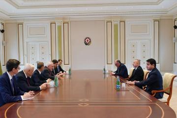 Президент Ильхам Алиев принял сопредседателей