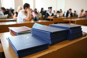 Есть студенты с поддельными документами – Министерство