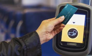 Bakıda ictimai nəqliyyatda ödənişlər bank kartları ilə aparıla bilər
