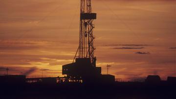 Правительство Британии ввело запрет на добычу газа методом фрекинга