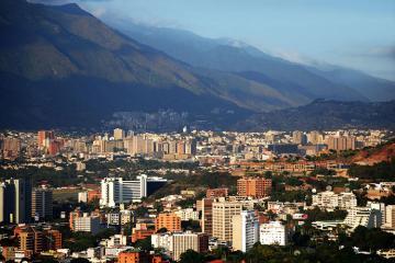 Venesuela Salvador diplomatlarının ölkədən çıxarılması barədə qərar qəbul edib