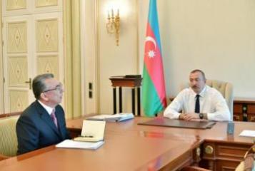 Президент Ильхам Алиев принял главу ИВ города Баку