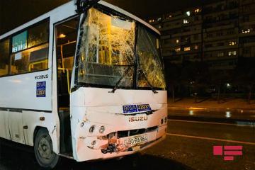 В Баку столкнулись два автобуса -[color=red] ФОТО[/color]