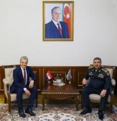 Azerbaijan Defense Minister meets with newly appointed Croatian Ambassador to our country