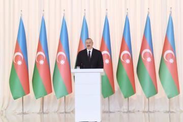 Президент Азербайджана поделился видеороликом по случаю Дня Государственного флага