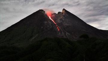 İndoneziyada əhaliyə vulkan xəbərdarlığı edilib