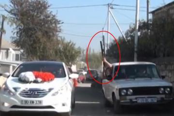 Опасный инцидент произошел во время движения свадебного кортежа в Газахе: прогремели выстрелы - [color=red]ФОТО[/color]