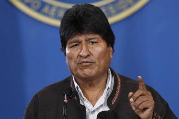 Boliviya prezidenti istefa verib