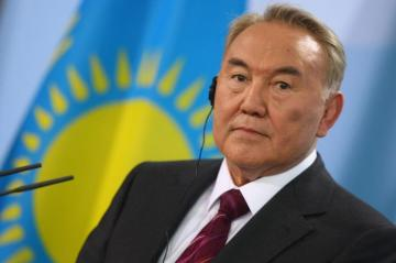 First Kazakh president offers to arrange meeting between Putin, Zelensky