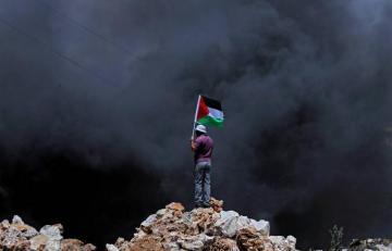 Власти Палестины призвали немедленно прекратить авиаудары по Газе