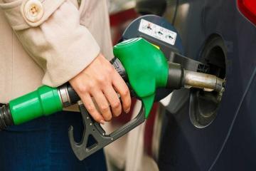 İranda azad satışa çıxarılan benzinin qiyməti bahalaşıb