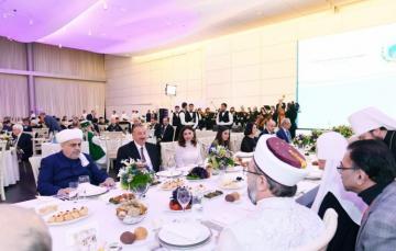 Устроен прием в честь участников II Бакинского саммита религиозных лидеров мира - [color=red]ФОТО[/color]