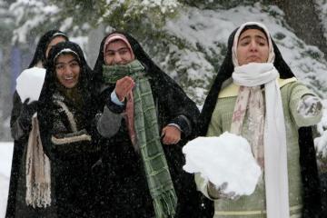 Tehranda güclü qar səbəbindən məktəblər bağlanıb