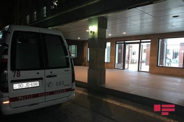 Житель Баку получил удар ножом в спину