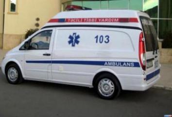 В Загатале микроавтобус сбил насмерть пешехода