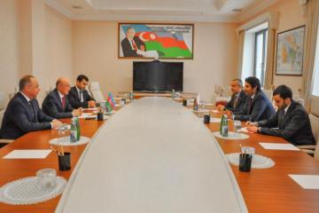 Kamaladdin Heydarov meets with Qatari Ambassador to Azerbaijan