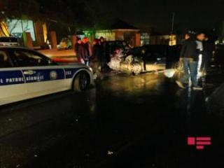 В Баку столкнулись два автомобиля, пострадали водители -[color=red] ФОТО[/color] - [color=red]ВИДЕО[/color]