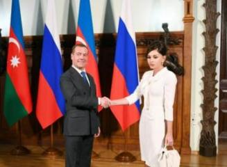 Первый вице-президент Азербайджана встретилась с председателем правительства России