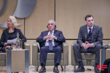 Али Асадов призвал зарубежных инвесторов вкладывать инвестиции в Азербайджан