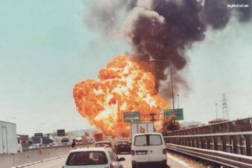 Bakı-Astara yolunda yanacaq daşıyan maşın aşaraq alovlanıb