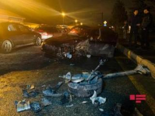 Bakının Binəqədi rayonunda 4 avtomobil toqquşub, xəsarət alanlar var - [color=red]FOTO[/color]
